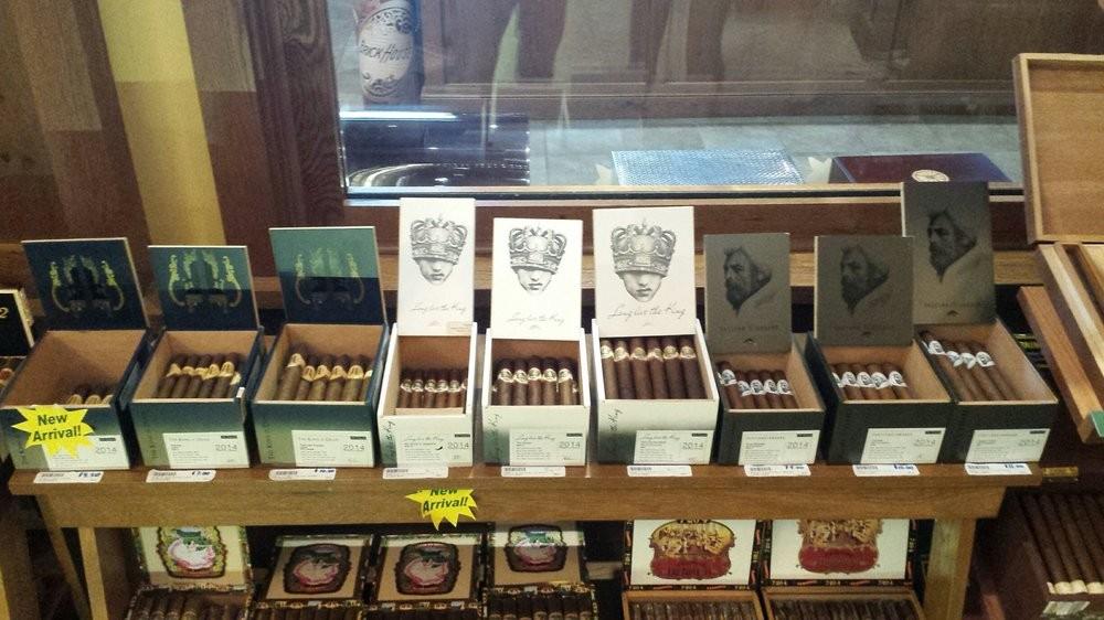 Famous Smoke Shop (Easton, PA) @ Cigar Inspector